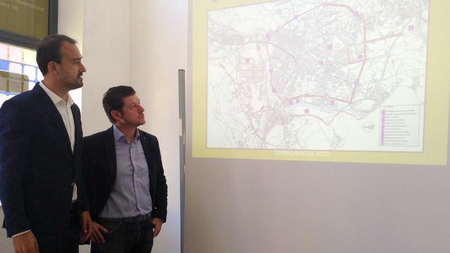 """López Estrada se compromete a establecer la """"OLA gratuita"""" y habilitar parkings gratuitos con zona para camiones"""