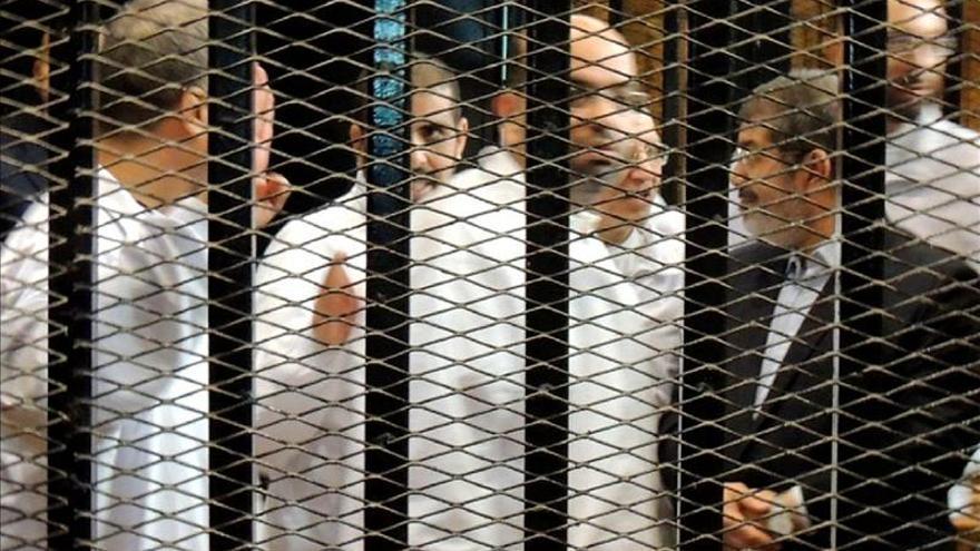 Mursi recibe a su familia en la cárcel por primera vez tras su derrocamiento