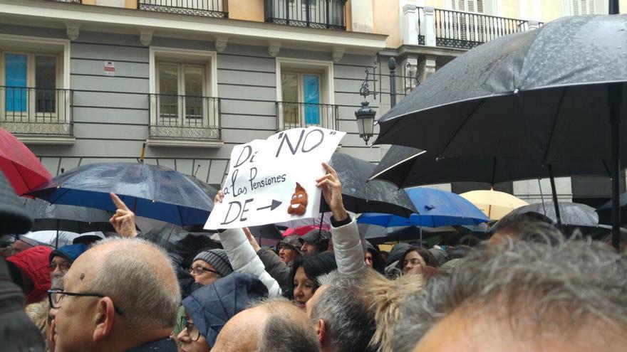 Manifestación de jubilados frente al ministerio de Hacienda.
