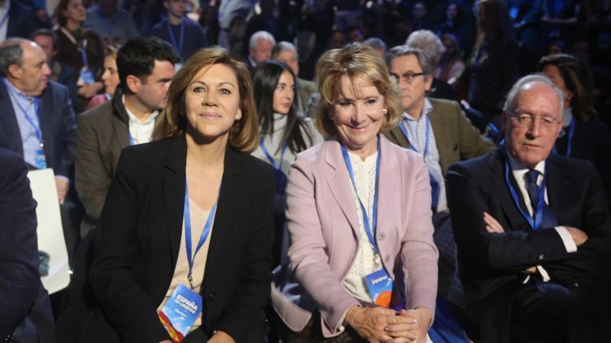 Aznar, Cospedal, Aguirre y Pizarro arropan a Casado en el cierre de la Convención, con Rajoy como ausente