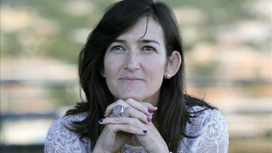 Resultat d'imatges de 1965.- Àngels González-Sinde, escriptora i exministra de Cultura espanyola.