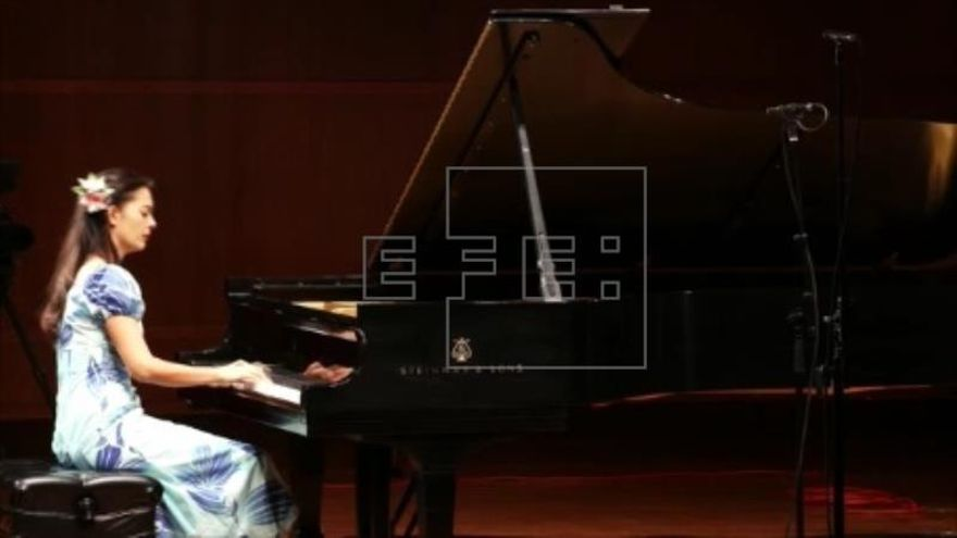 Mahani Teave, la pianista que cambió la fama mundial por la Isla de Pascua