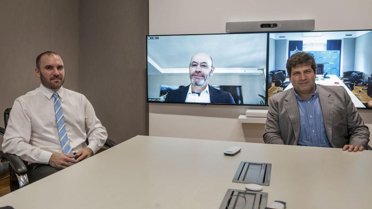 Guzmán y el representante argentino ante el FMI, Sergio Chodos, en diálogo virtual con el de Estados Unidos ante ese organismo.