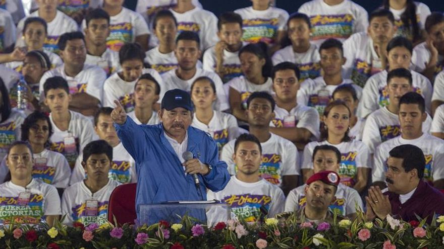Ortega pide a EE.UU. respeto y respalda a Maduro en el aniversario sandinista