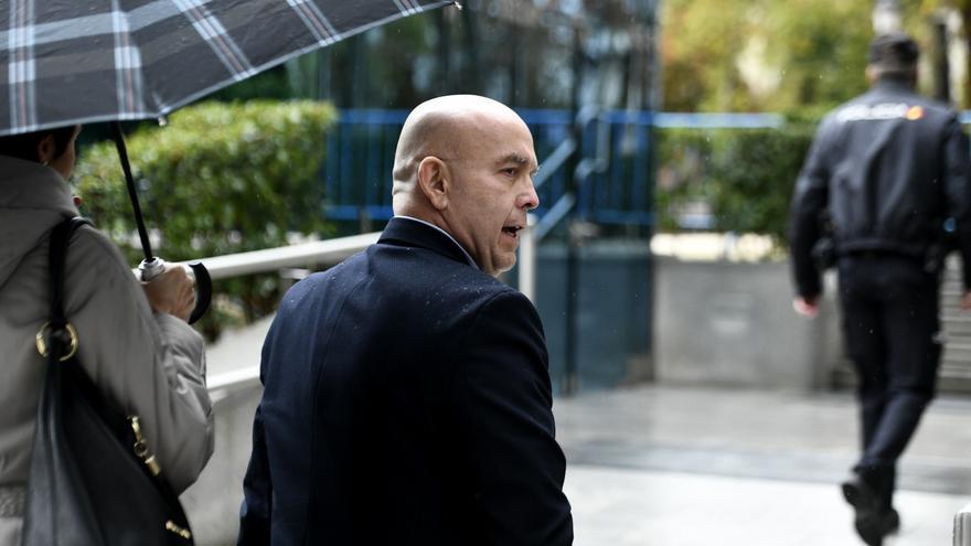 El abogado Gonzalo Boye a la salida de su comparecencia ante la jueza de la Audiencia Nacional, María Tardón.