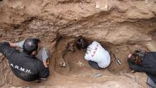 Primera exhumación en el cementerio de Guadalajara, en enero de 2016. |