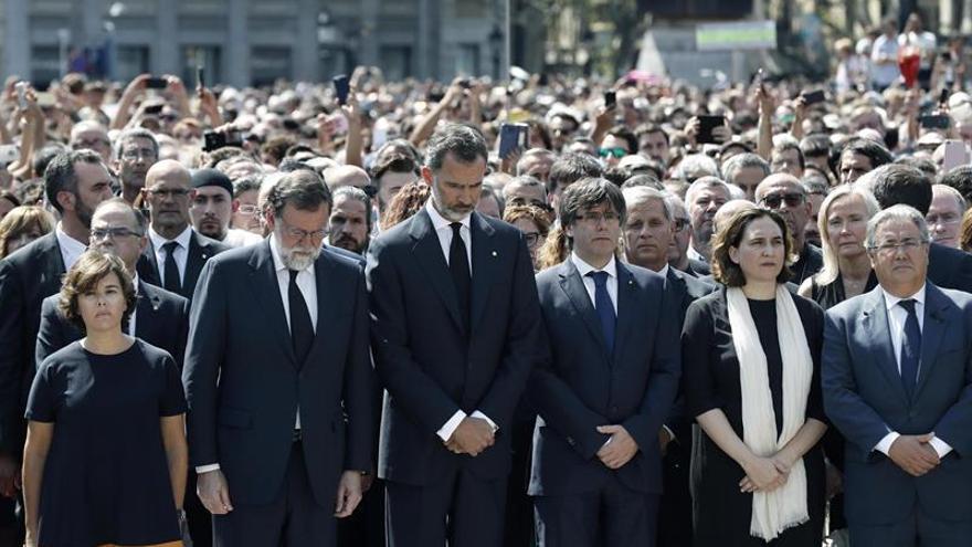 """Grito masivo contra el terrorismo, con el Rey a la cabeza: """"No tengo miedo"""""""