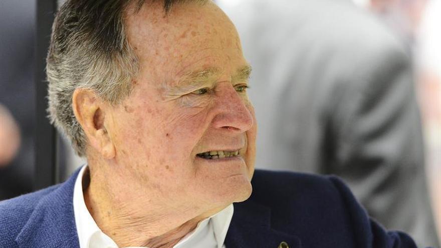 El expresidente Bush padre mejora y ya respira sin asistencia