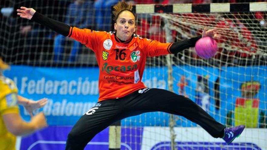 Silva Navarro, internacional y portera del Rocasa