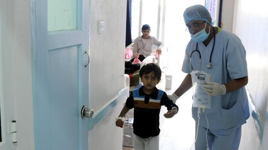 La OMS dice que en Yemen hay ya 101.820 casos sospechosos de cólera y 789 muertes