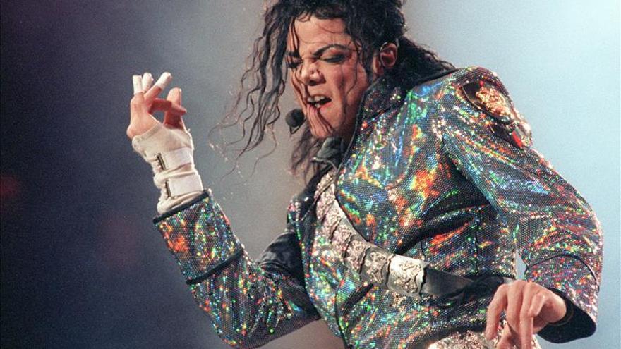 Acusan nuevamente a Michael Jackson de abuso de menores