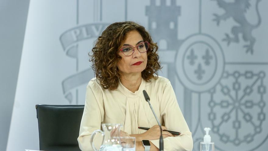 La ministra portavoz, María Jesús Montero, comparece en rueda de prensa tras la celebración del Consejo de Ministros, a 8 de junio de 2021, en el Complejo de La Moncloa, Madrid, (España).