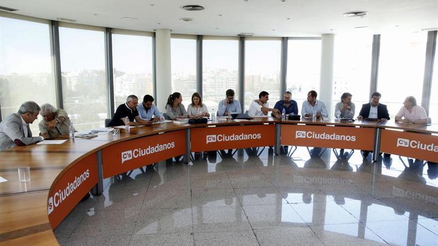Rivera reúne mañana a su ejecutiva para ver que vías hay tras fracasar Rajoy