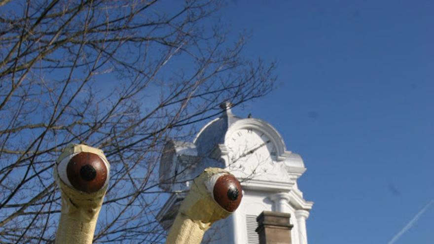 Estatua del Monstruo del Espagueti Volador en Crossville