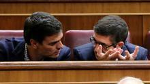 La dimisión de Pedro Sánchez busca desactivar a Patxi López como rival en el bando del 'no' a Rajoy