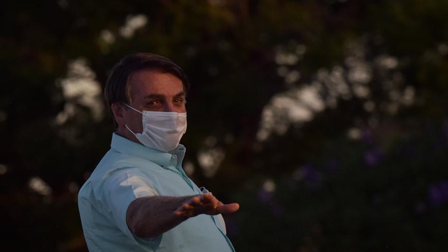 Bolsonaro vuelve a minimizar la pandemia cuando Brasil supera los 150.000 muertos