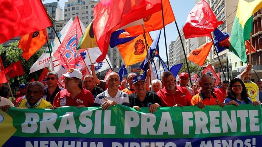 Brasil estrena una reforma laboral odiada por los sindicatos y festejada por las empresas