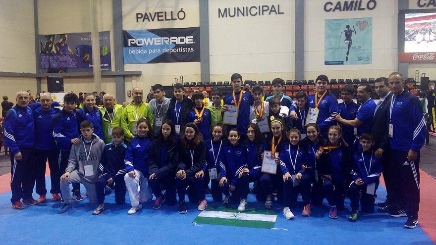 La expedición andaluza en el campeonato de España de taekwondo en Benidorm