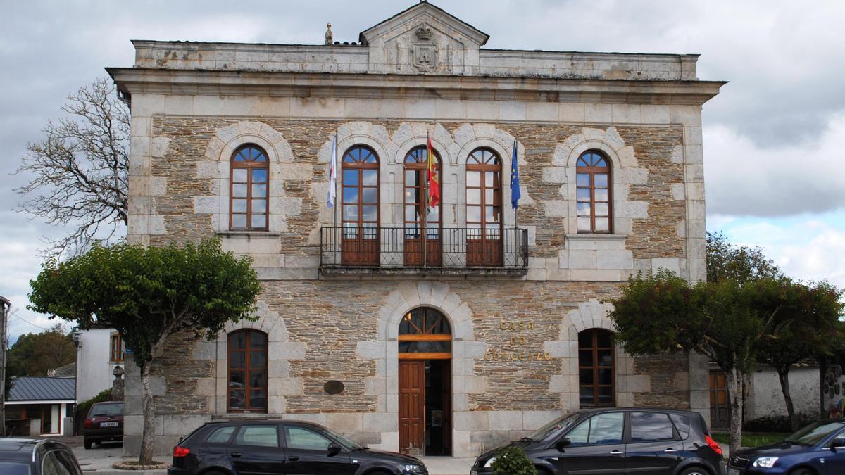 Casa do Concello de Outeiro de Rei, en la provincia de Lugo
