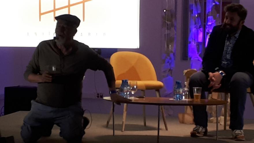 José Luis Ortiz Nuevo, durante la charla