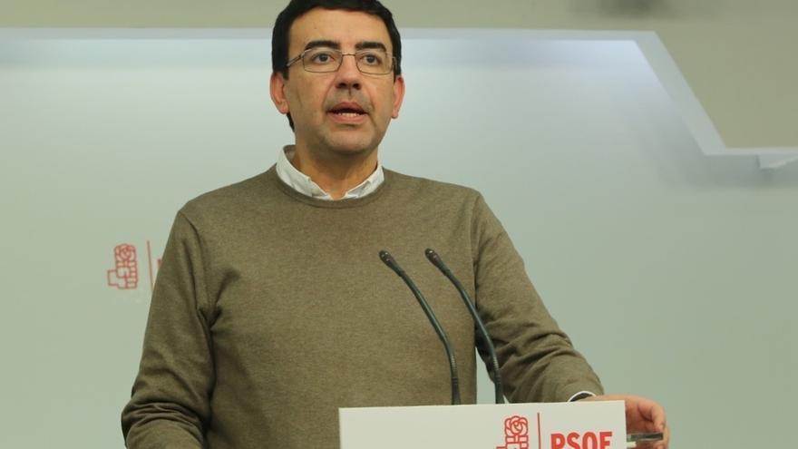 """Jiménez reitera que el PSOE no apoyará los presupuestos del PP y acusa a Rajoy de poner a España """"en la picota"""""""