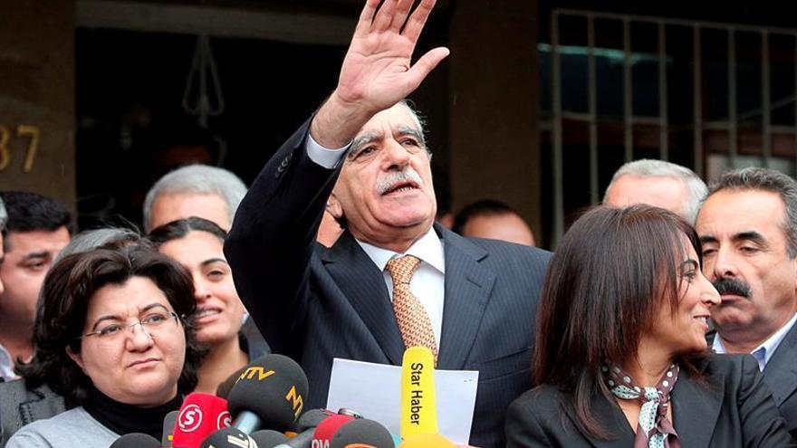 El Gobierno turco destituye a los alcaldes de las tres mayores ciudades kurdas