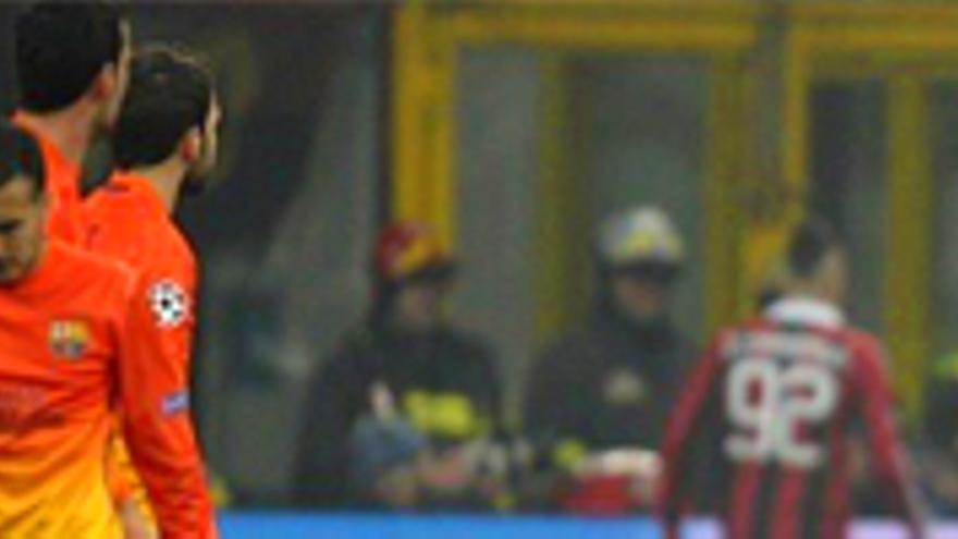 El Milan trastoca los planes del Barça y el reparto nocturno como líder temático