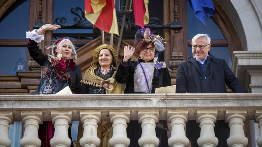 El alcalde de Valencia acoge a las Reinas Magas en su segundo desfile