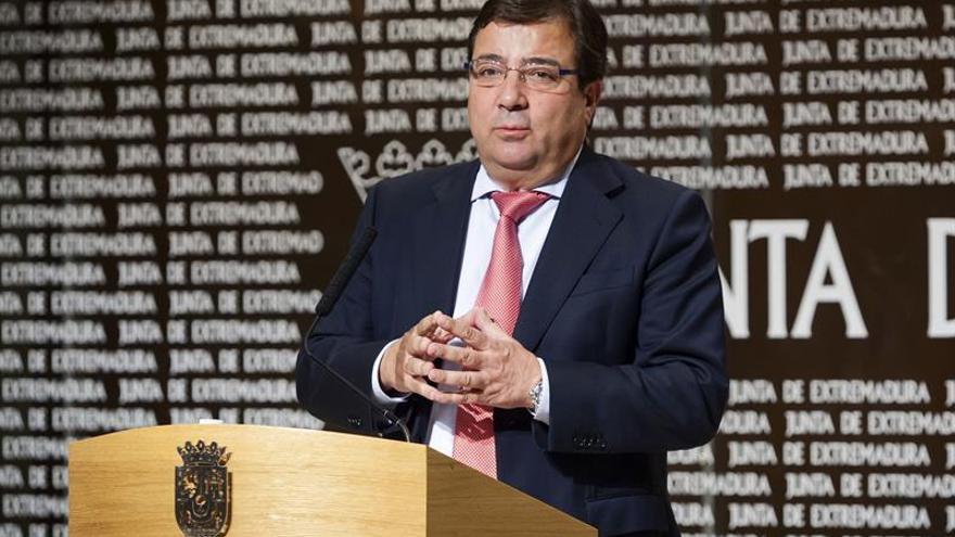 """Fernández Vara agradece las """"muestras de cariño"""", tras las críticas de la dirección"""
