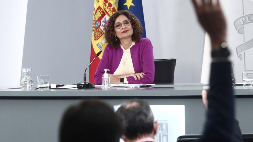 La ministra de Hacienda y portavoz del Gobierno, María Jesús Montero, durante la rueda de prensa tras el Consejo de Ministros