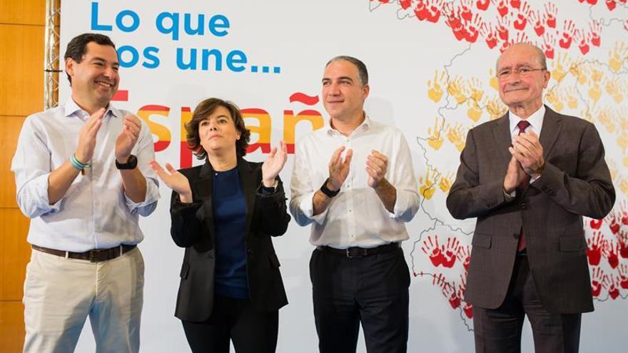 De izquierda a derecha, Juan Manuel Moreno, Soraya Sáez de Santamaría, Elías Bendodo y Francisco de la Torre