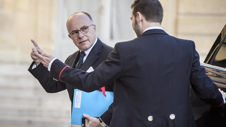 Hollande preside una reunión de crisis tras el atentado de París