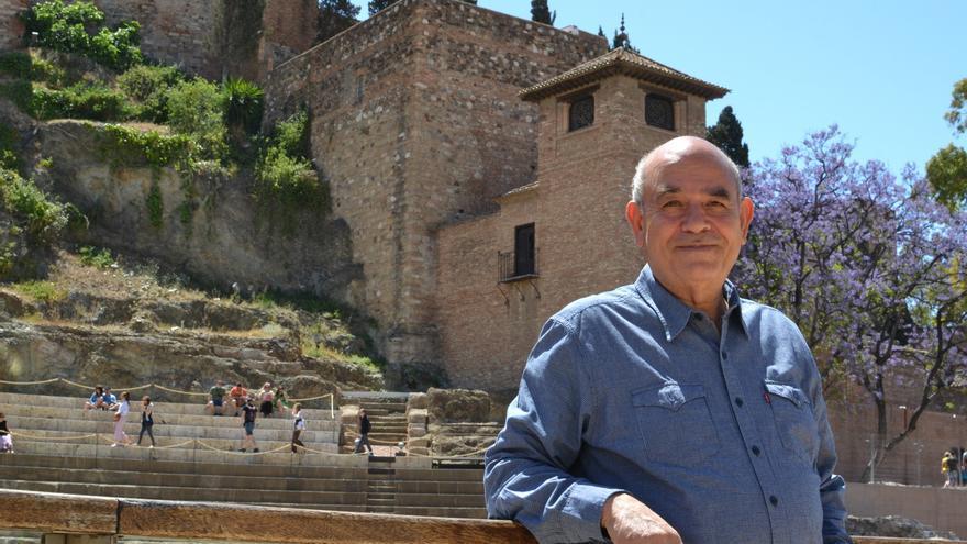 Raji Sourani, abogado palestino que pleitea contra Israel, junto al Teatro Romano y la Alcazaba de Málaga | N.C.