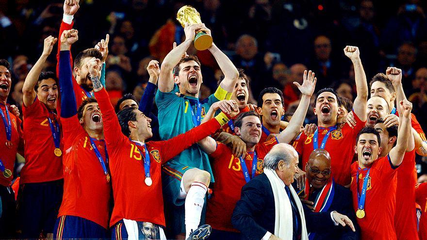 La selección española celebra el Mundial de 2010