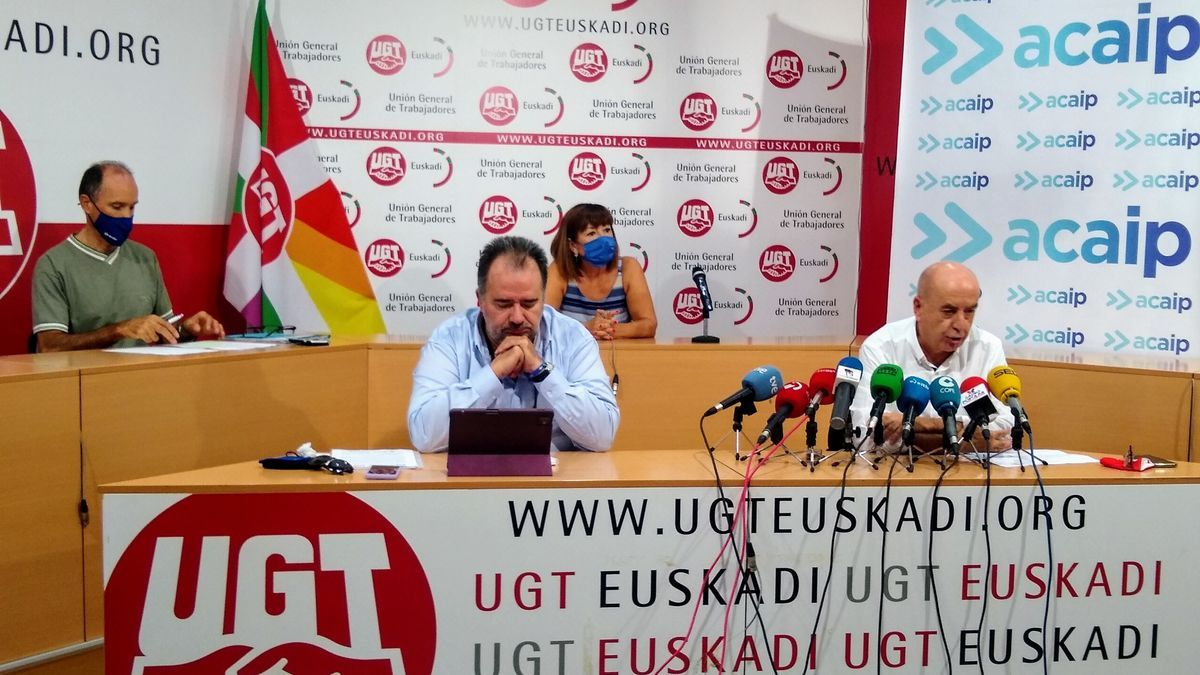 José Ramón López de Acaip, y Raúl Arza, de UGT Euskadi