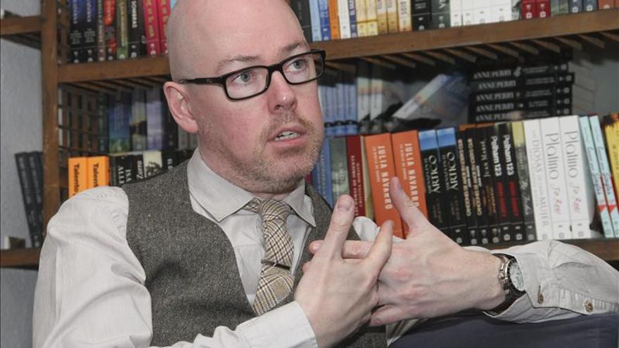 """John Boyne promete seguir escribiendo """"historias francas y honestas"""""""