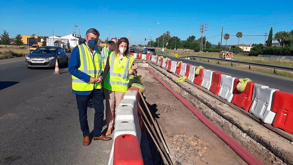 Obras de mejora en los acceso a El Higuerón.