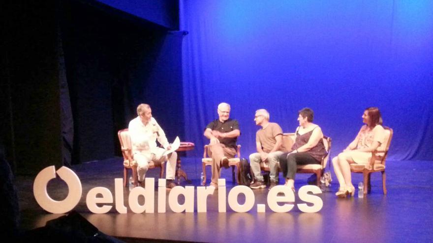 Gumersindo Lafuente, Joan Ribó, Paco Tortosa, Pilar Gil y Patricia Bellver en la presentación de 'La ciudad civilizada'