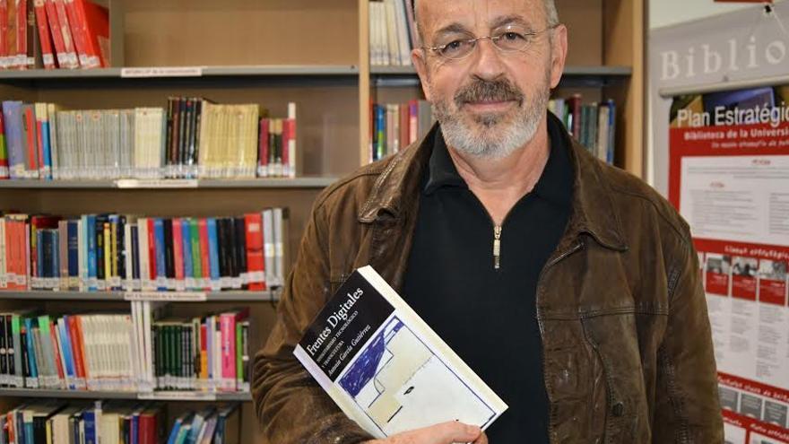 """Antonio García Gutiérrez publica Frentes Digitales, una """"crítica tecnológica sin cuartel"""""""