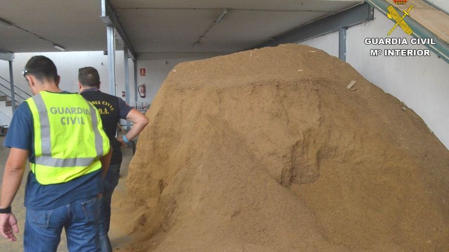 Intervenidas en Elche (Alicante) 18 toneladas de tabaco ilegal valoradas en 2,7 millones