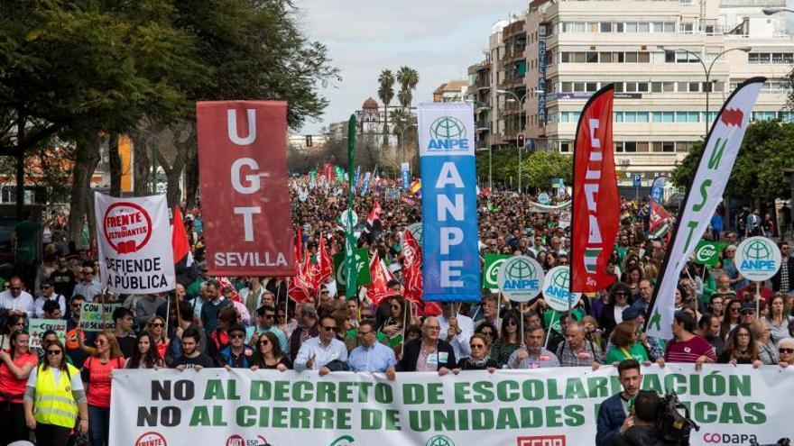 """La Junta de Andalucía cree que el seguimiento de la huelga del 13,5% no responde al """"ruido"""" generado"""