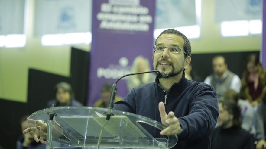 """Pascual espera que Susana Díaz """"no sea la piedra en el camino"""" de un acuerdo entre el PSOE y Podemos"""