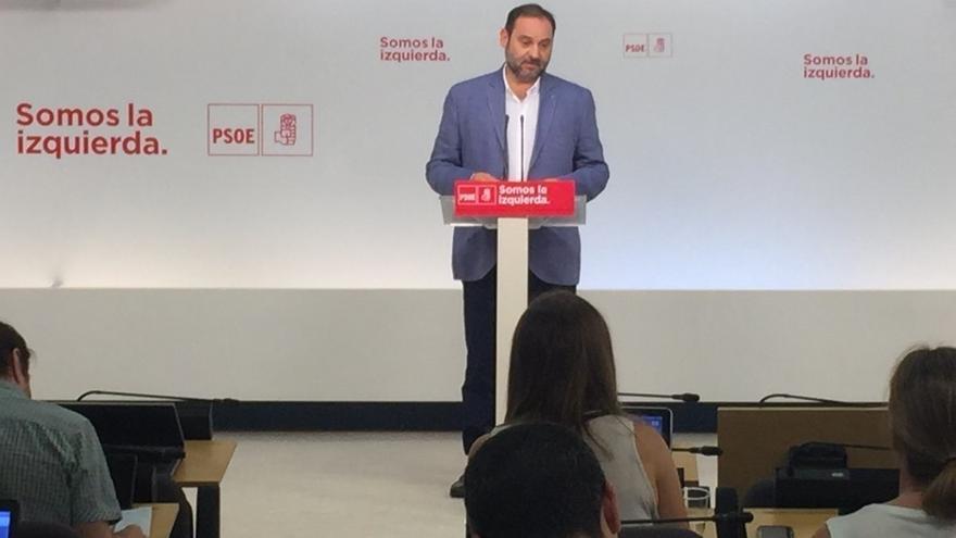 """Ábalos, tras la victoria de Puig en las primarias del PSPV: """"No me siento nada fracasado"""""""
