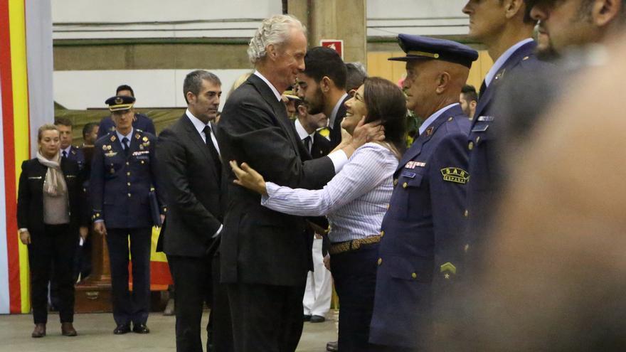 El ministro de Defensa, Pedro Morenés, en el funeral del accidente del SAR 2015 (ALEJANDRO RAMOS)