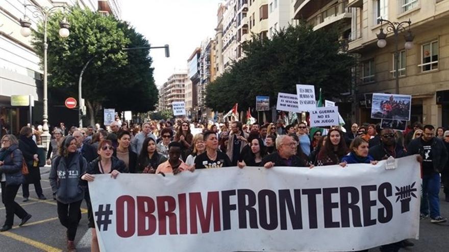 Una manifestación clama por los derechos de los refugiados en Valencia