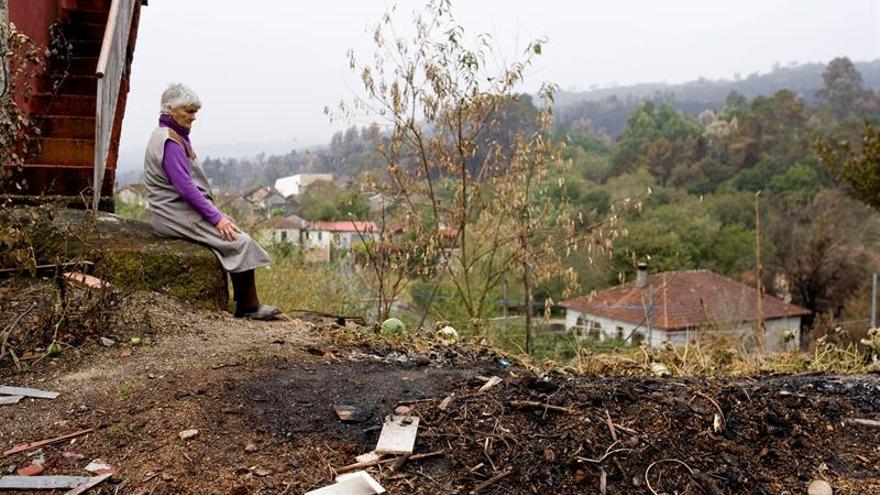 Reciben facturas de más de 800 euros tras ver arder sus casas en Ourense