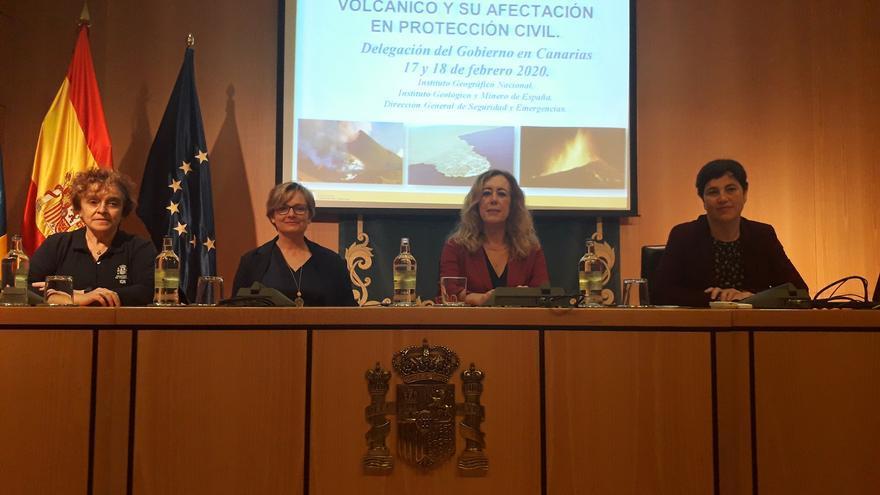 Acto de inauguración de la la 'Jornada sobre el conocimiento del riesgo volcánico y la afectación en la Protección Civil'