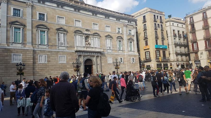 La Plaza de Sant Jaume en la mañana del 28 de octubre. Foto: José Precedo