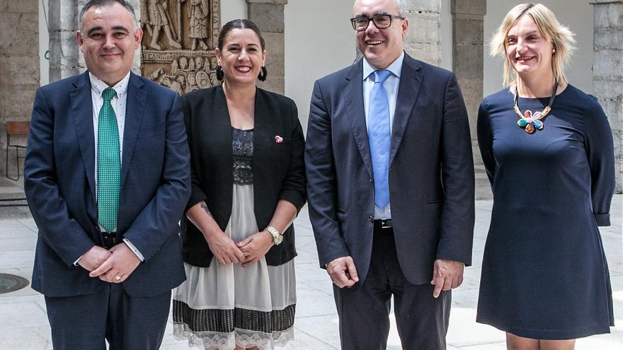 José Miguel Fernández Viadero, Emilia Aguirre, Pedro Hernando y Ana Obregón.