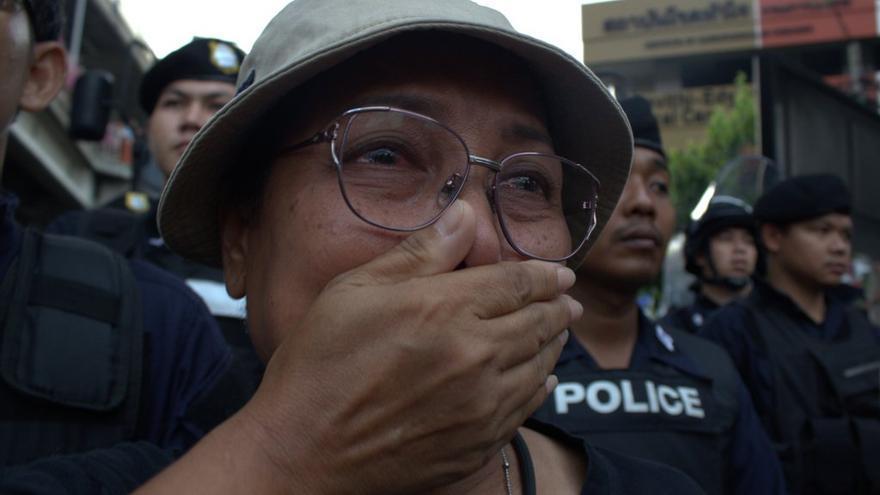 manifestante llorando Bangkok 26 mayo